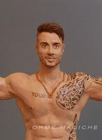 statuetta uomo torso nudi tatuaggi cake topper tema spiaggia sport palestra orme magiche