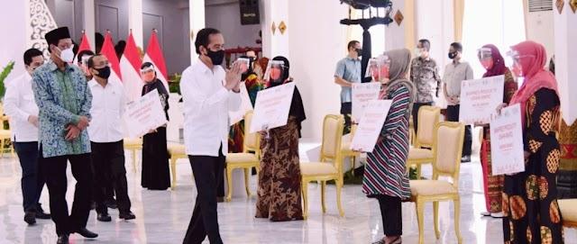 Pelaku UMKM Dapat Bantuan Modal Usaha Dari Presiden Joko Widodo