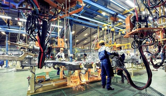 Sản xuất, lắp ráp ô tô tại Khu kinh tế mở Chu Lai - Quảng Nam. Ảnh: Thaco