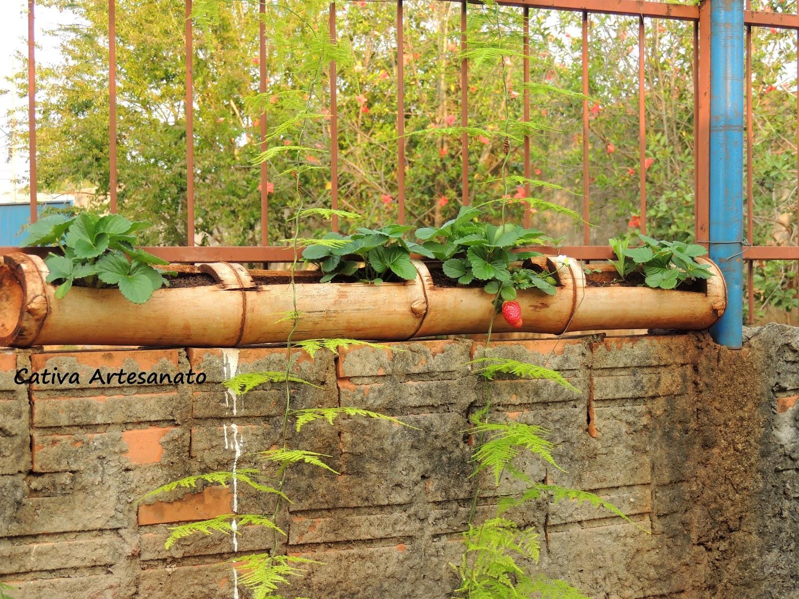 Excepcional cativa artesanato: Morangos cultivados no bambu suspenso QY07