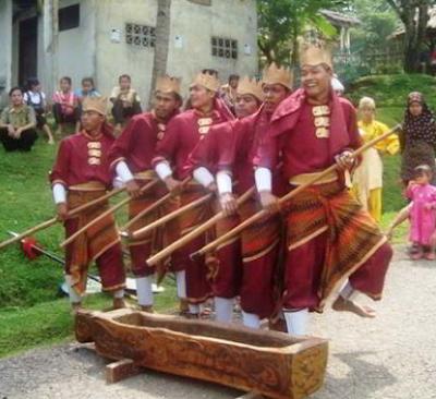 Sejarah dari gerakan tari Seni Bendrong Lesung banten Jawa Barat