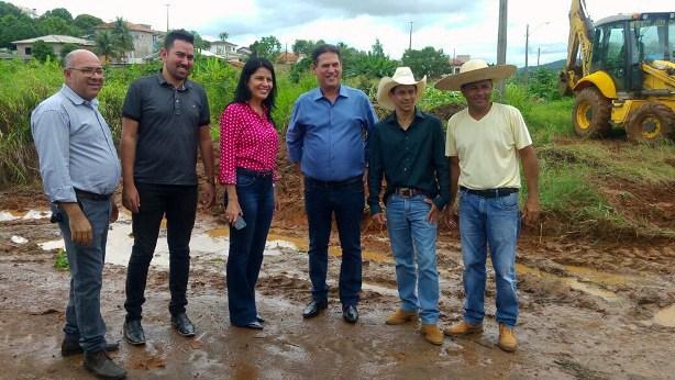 Presidente da ALE e Prefeita de Cacoal vistoriam obras de limpeza urbana em Cacoal