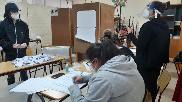 Colegio de Periodistas de Chile observó limitaciones al trabajo de la prensa durante las elecciones