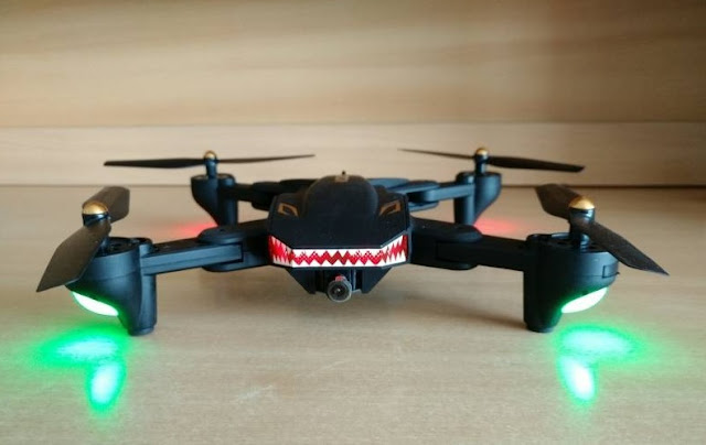 Review Drone VISUO XS809S BATTLES SHARKS Drone Bergigi Hiu