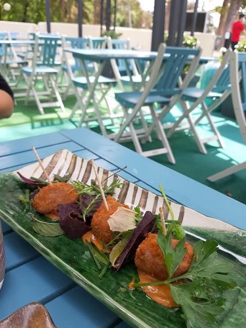 Terrasse estivale Taisho restaurant étude Keisuke Yamagishi Paris food aquarium de Paris