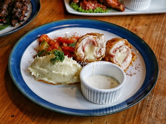 Chicken Cordon Bleu Kunena Eatery Jogja