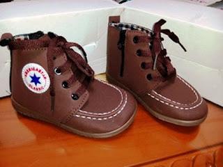 Contoh Model Sepatu Boots Anak Perempuan