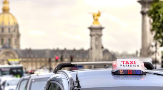 get around Paris by taxi