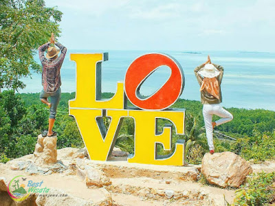 Karimunjawa : Bukit Love di Pulau Karimunjawa, Jepara, Jawa Tengah