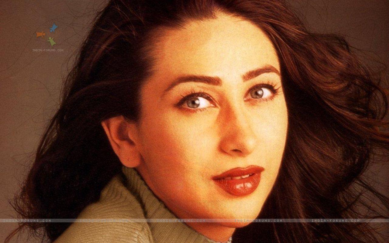 Sexy Photo Karishma Kapoor Ka