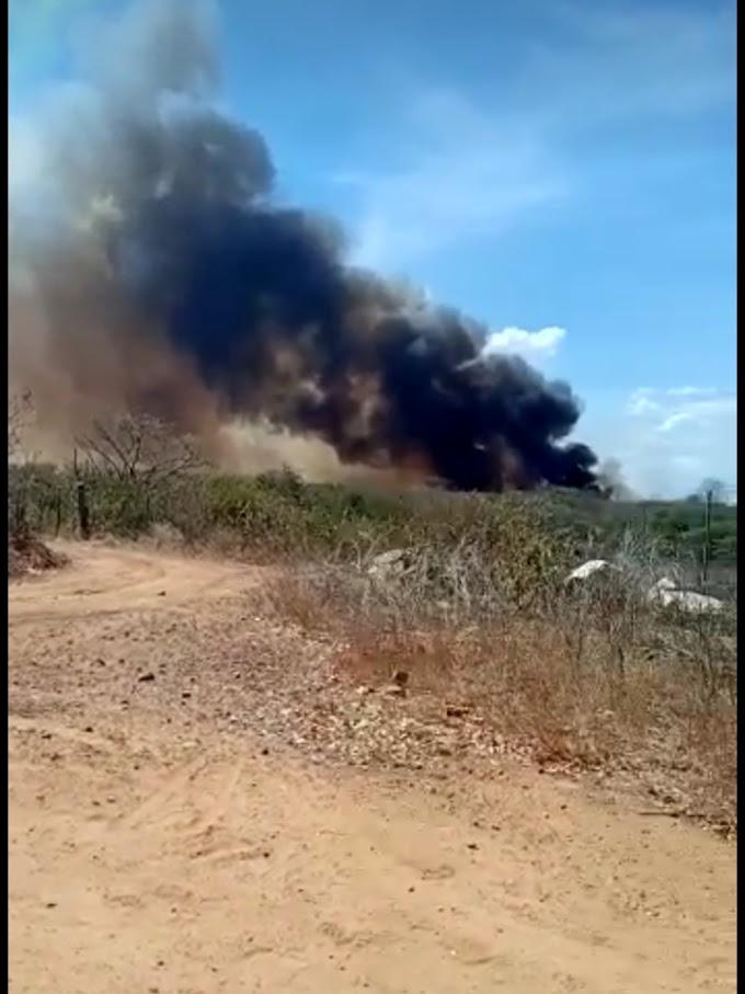 Tabira: incêndio de grandes proporções em Lagoa de Dentro assusta moradores