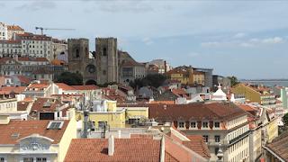 Igreja da Sé de Lisboa vista do alto do Arco da Rua Augusta