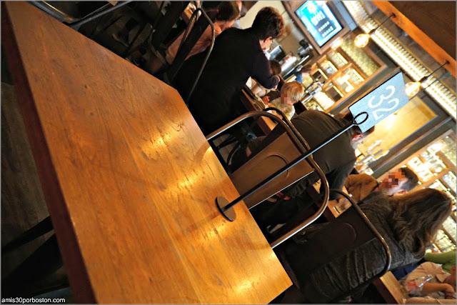 Comedor en Roam Artisan Burgers en San Francisco