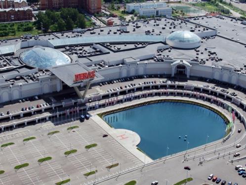 ТРЦ Vegas на Каширском шоссе - один из самых больших в России торговых  центров с общей площадью 400 тыс. квадратных метров, это настоящий торговый  город с ... b28c2466e79