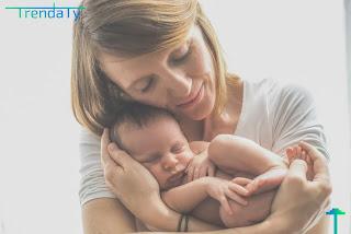 كيفية العناية بالاطفال حديثي الولادة بشكل صحيح