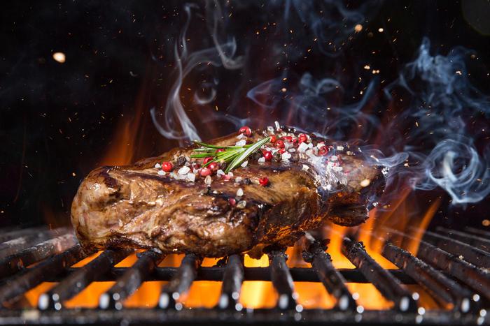 Как быстро сделать мясо для жарки мягким и сочным: 10 дельных советов