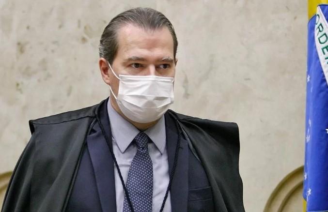 Dias Toffoli é internado na noite deste domingo por pneumonia alérgica