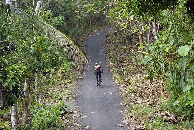 Tanjakan panjang menuju Gua Jepang, Pundong
