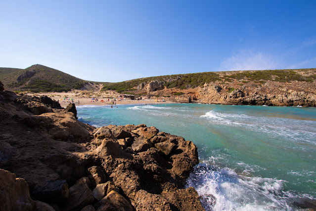Spiaggia di Cala Domestica-Sentiero per la spiaggia di Cala Lunga