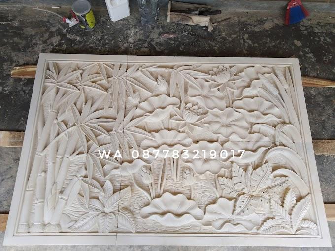 Relief motif tumbuhan pemandangan