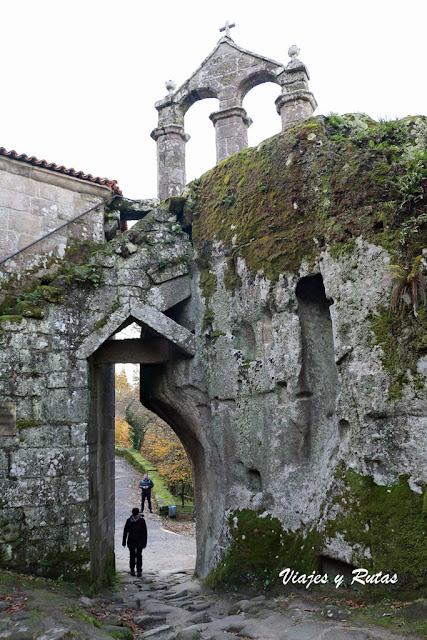 Espadaña, San Pedro de Rocas