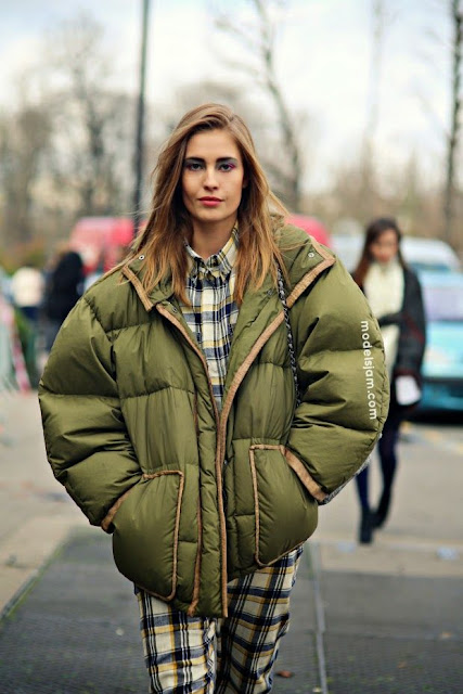 piumini oversize piumini maxi tendenza piumini inverno 20 outfit piumino oversize come indossare il piumino oversize oversize puffer jacket how to wear oversize puffer jacket down jacket street style mariafelicia magno fashion blogger color block by felym fashion blogger italiane italian fashion bloggers