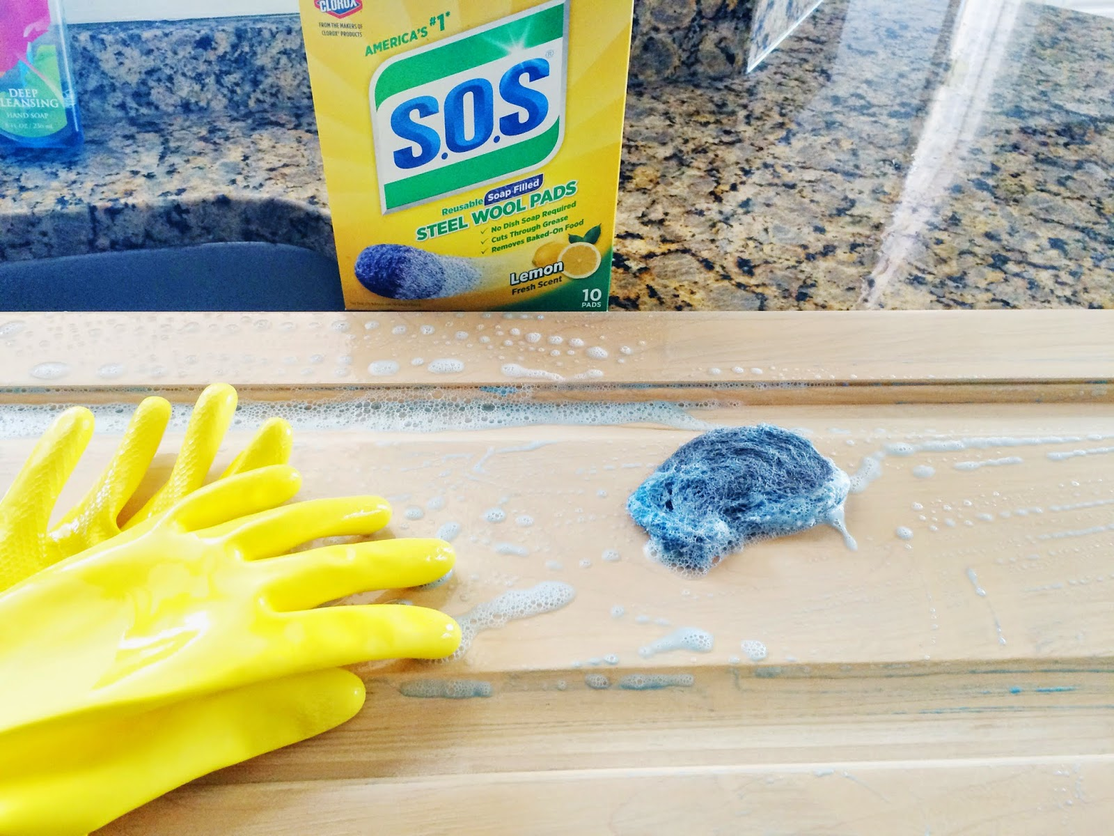 Do It Yourself Divas Diy How To Paint Kitchen Cabinets