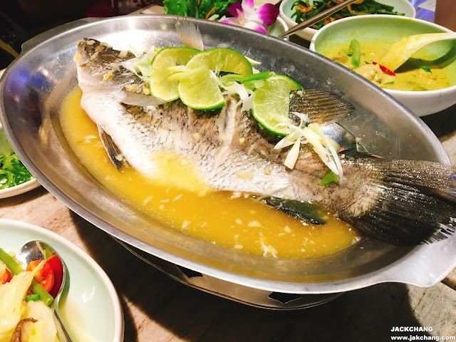 Steamed seabass with lime and chilli