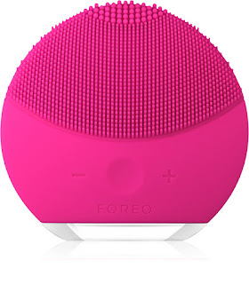 Mothers Day Gift Ideas 2020 with Notino Foreo Luna Mini 2