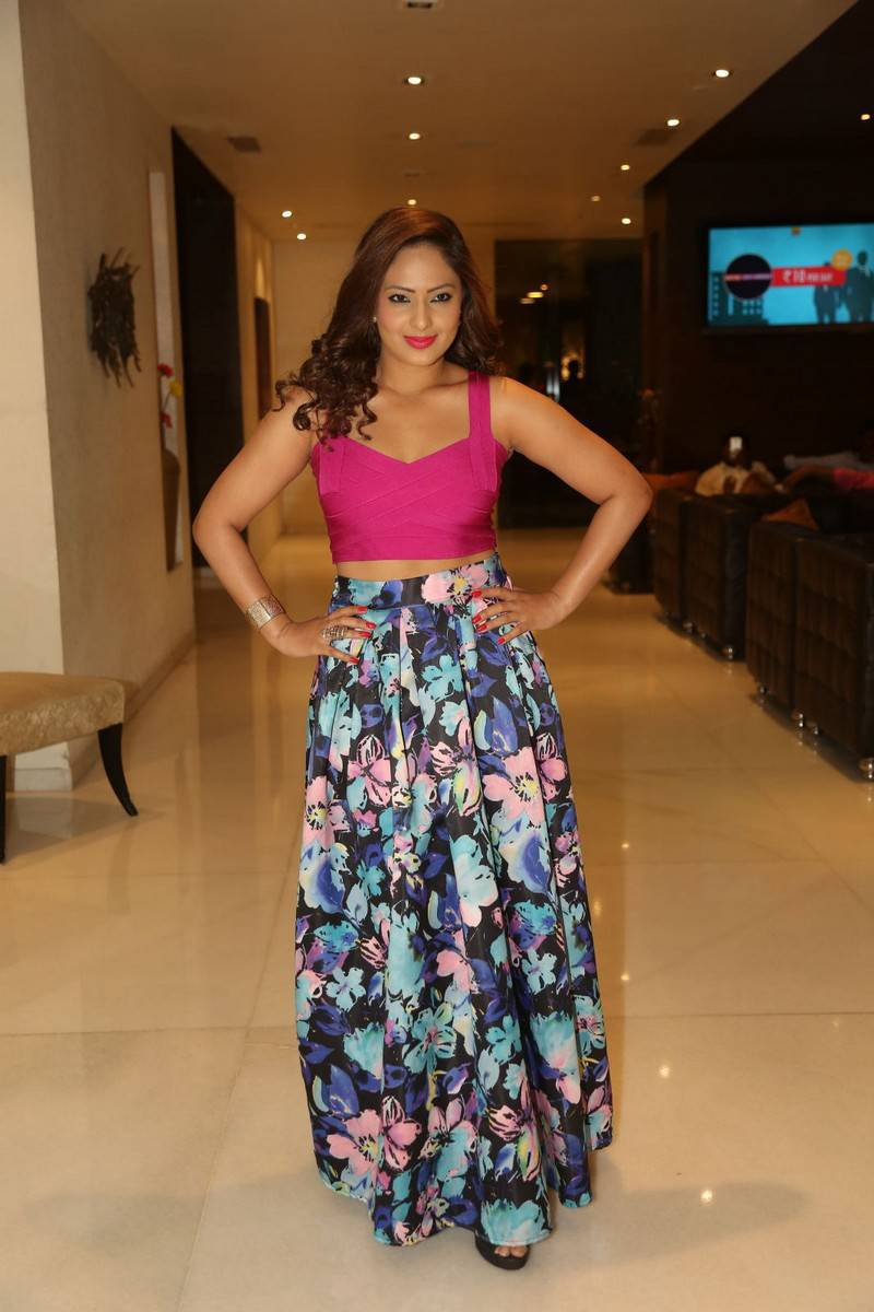 Bollywood Hot Girl Nikesha Patel Long Hair In Pink Top At Teaser Launch