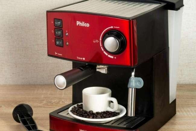 Cafeteira expresso philco 20 bar em uso