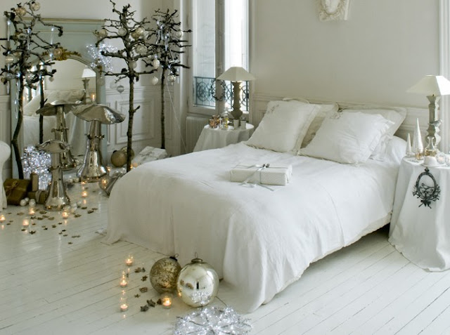 Happy Holidays Honey, image via Campagne via linenandlavender.net