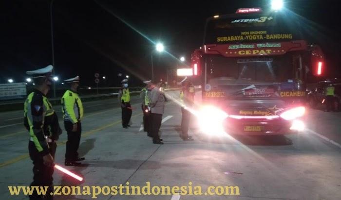 Polda Jatim Jalankan PPKM Darurat Mulai Pukul 00.00 Wib. di Seluruh Jawa Timur