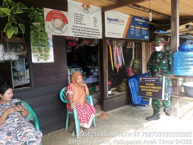 Sosialisasi PPKM Mikro, Babinsa Aceh Timur Masuk ke Pelosok Gampong