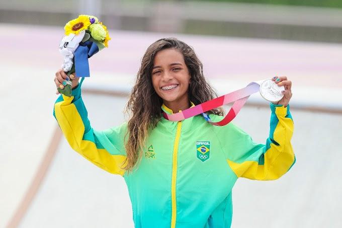 A madrugada desta segunda-feira vai ficar marcada na memória de milhões de brasileiros pelo sucesso da skatista Fadinha.