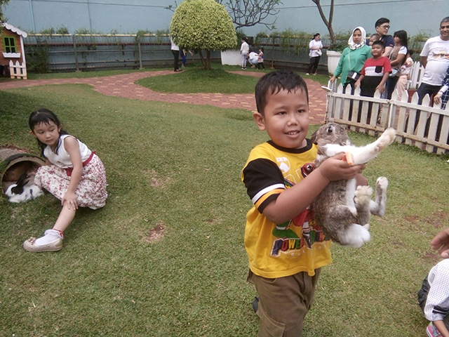 Rabbit Land [at] Gading Walk