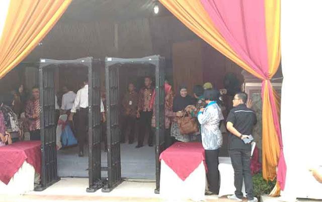 Pengamanan Ketat Jelang Pemberian Marga Putri Jokowi