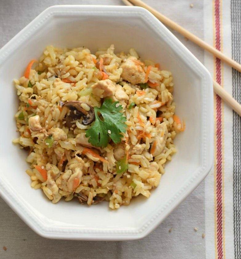 Receta fácil para preparar arroz con pollo, abundante y económica