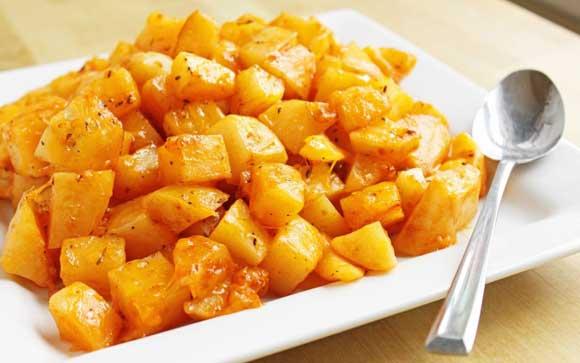 Пищевая ценность клубней ямса очень высокая, они содержат много крахмала и белка. Имеют сладковатый вкус. «Сладкий картофель» - второе название ямса