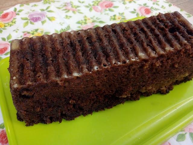 szybkie ciasto z orzechami ciasto orzechowe ciasto czekoladowe ciasto z mikrofali orzechowa babeczka z kubeczka ekspreowe ciasto z mikrofalowki ciasto czekoladowo orzechowe wilgotne ciasto