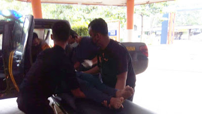 Seorang Perempuan Purbalingga Tergeletak Dipinggir Jalan, Polisi Evakuasi ke Rumah Sakit