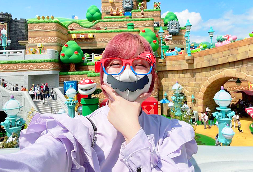 Kumi Koda and Kyary Pamyu Pamyu hit up Super Nintendo World | Random J Pop