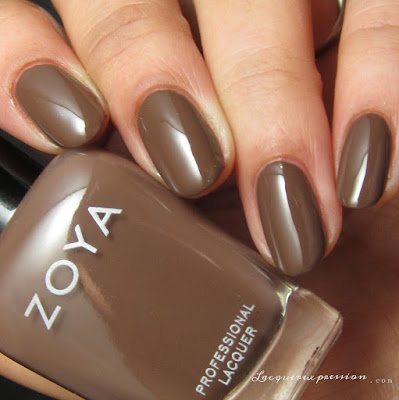 Nail polish swatch of Gina from the Naturel 3 collection by Zoya