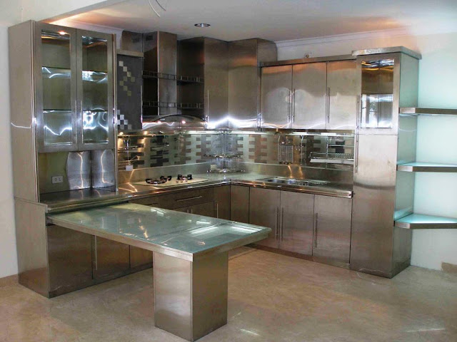 Design Kitchen Cabinets using Natural Materials Versatility of Wooden Cabinets