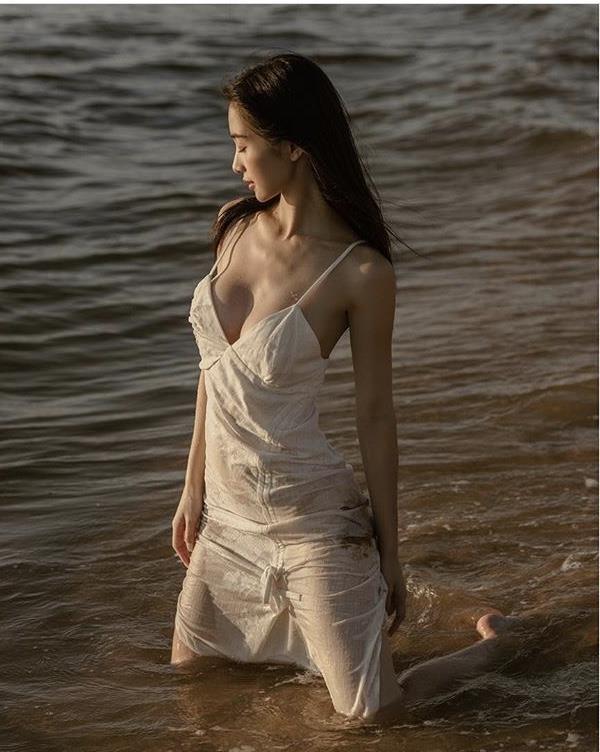 """Jun Vũ và những """"cô bé trà sữa"""" lấn sân nghệ thuật, ngày càng gợi cảm"""