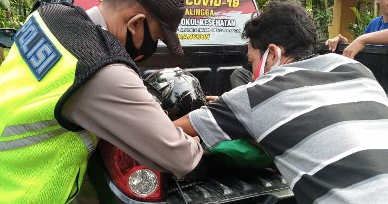 Jupiter Z Tabrak Sepeda Onthel di Kemangkon, Polisi Bawa Korban ke Klinik Medis