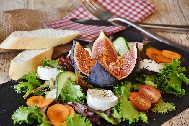 5 Makanan Sehat Untuk Mencegah dan Mengatasi Bau Badan