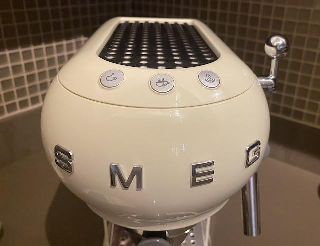 Smeg Espresso Coffee Maker Review (ECF01)