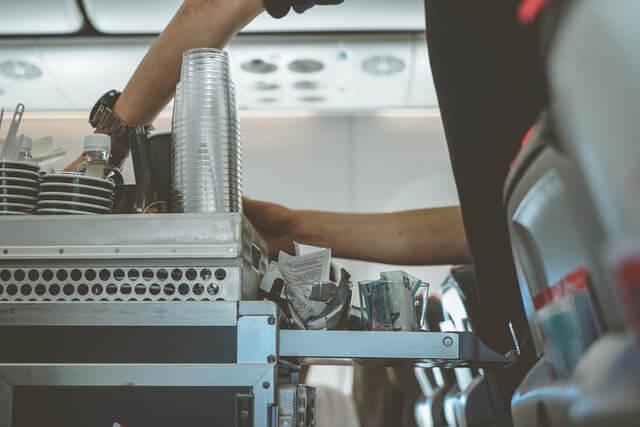 وجبات المسافرين على الطائرات