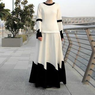 Inspirasi baju lebaran muslimah Gamis Kasual putih